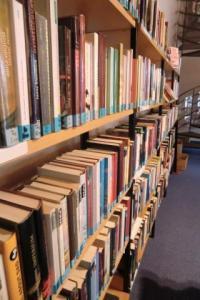 Büchereiregal